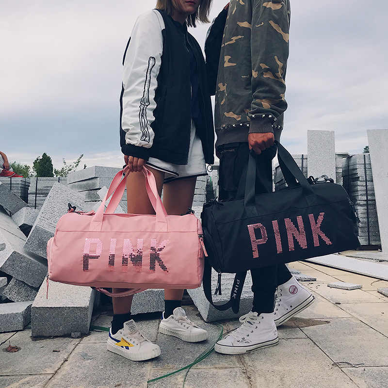 2019 最新デザインスパンコールピンクの手紙ジムフィットネススポーツバッグショルダークロスボディバッグ女性トートバッグ旅行ダッフルバッグボルサ