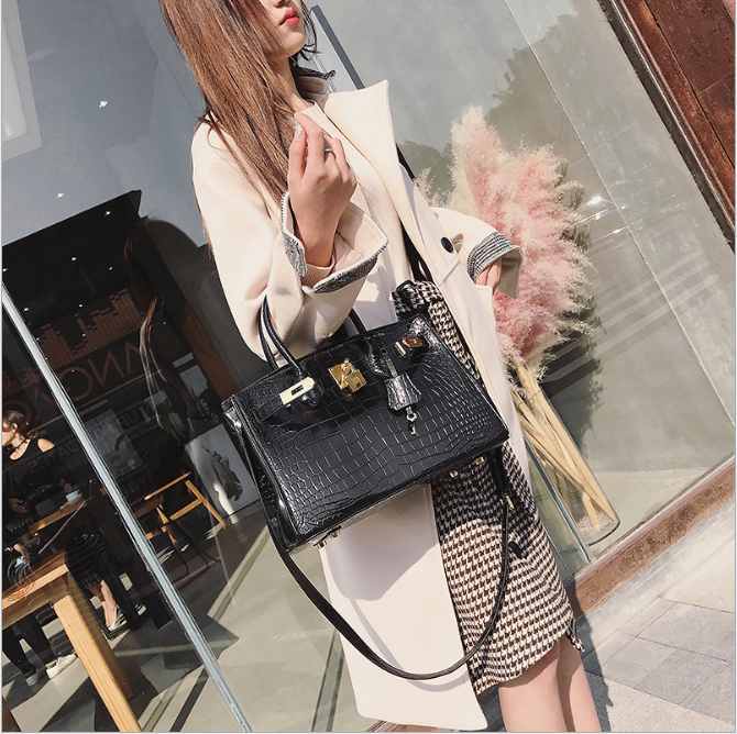 d00068058f European and American fashion handbags leather crocodile embossed leather handbag  platinum package bulk Shoulder Messenger bag-in Top-Handle Bags from ...