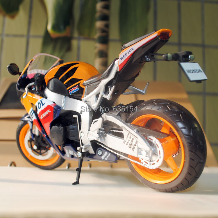 honda racing motorcycle models  Brand New 1/12 Scale Motorbike Models HONDA CBR 1000RR Repsol ...