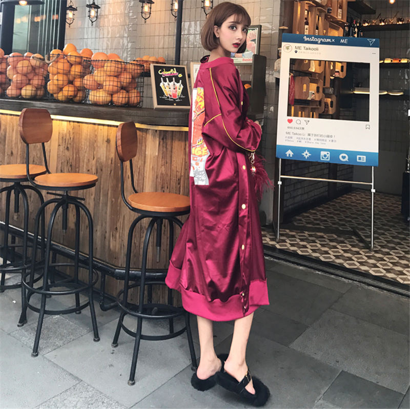 2019 NEW Street Hip Hop Behind the old funny ladder Pattern shiny satin long section BF button baseball Trench Coats Women V731