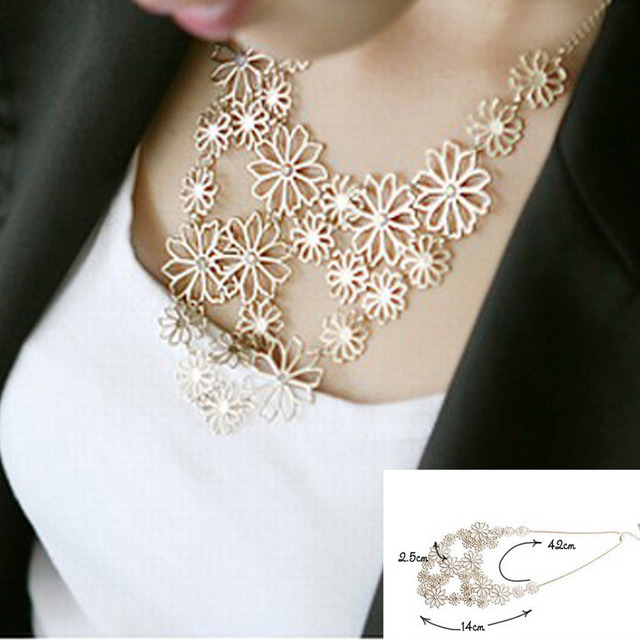 Hot Womens Romantic Statement Necklaces Temperament Sweater Chain Flowers Charm