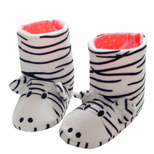 цена на Winter kids Shoes Boys Girls Slippers Cartoon zebra Home Shoes Soft Comfortable Warm Parent-child Home Slippers Floor home boots