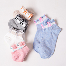 2017 New Hot Tide Brand Woman Short Explosive Cotton Boat Socks Cartoon Double Luo Mouth Shallow Student Funny Socks