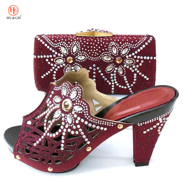 New Gold Color African Sets 2018 Nigeria Wedding Shoes and Bags Set Decoratd with Rhinestone Set Italian Shoes and Bags To Match