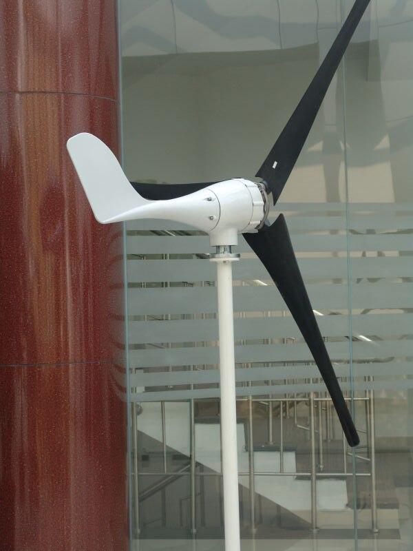 Générateur d'éolienne 400 W 12/24 V avec 3 lames, vitesse de vent à faible démarrage avec Certification RoHS CE ISO9001 conception originale de la chine