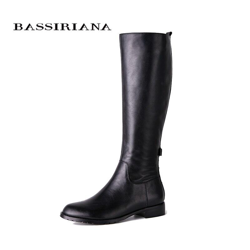 BASSIRIANA Novo 2018 genuína sapatos de couro botas de cano alto mulher quadrado sapatos de salto dedo do pé redondo zip com Pérola e rebite preto 35-40 tamanho