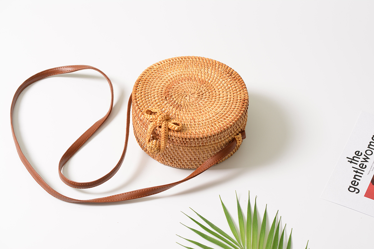 Bali Island Hand Woven Bag Round Bag buckle Rattan  Straw Bags Satchel Wind Bohemia Beach Circle Bag 2