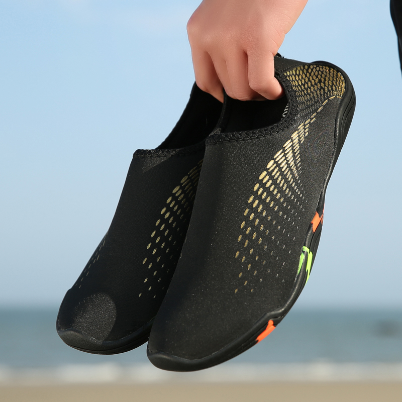 Summer Men Shoes 2019 Black Seaside Wading Upstream Slippers Breathable Quick Dry Big Size Unisex Lovers Water Shoes Sneakers