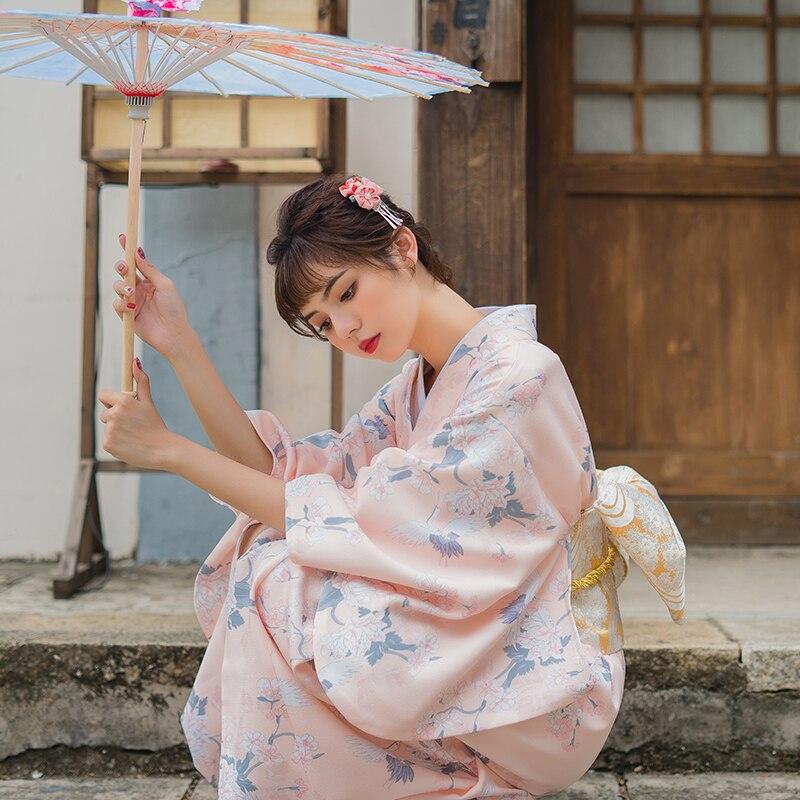 Kimono japonais femme couleur rose belles impressions de fleurs japon traditionnel Yukata Cosplay vêtements scène vêtement