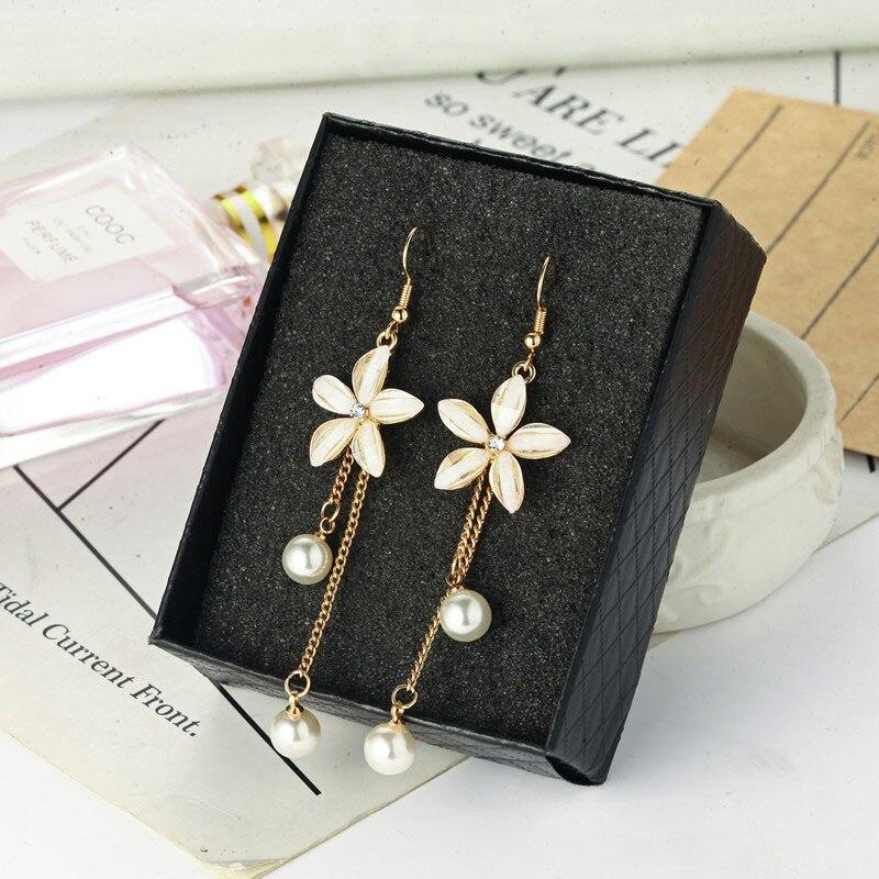 New Korean 5 Petal Acrylic Zircon pearl Tassel Clip on Earrings Transparent No Hole Clip Earrings Wholesale Women's Earrings