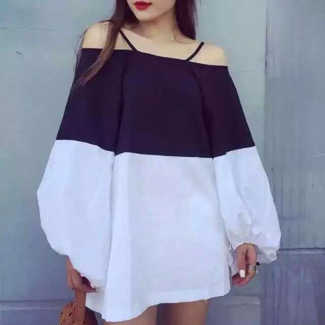 [TWOTWINSTYLE] 2017 Sexy halter slash neck off shoulder sweet lantern sleeve hit color T-shirt female dress summer new
