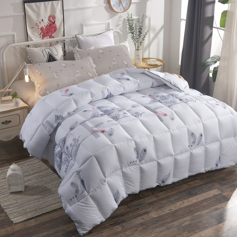 Quilts Thickened cashmere quilt Warm and comfortabl