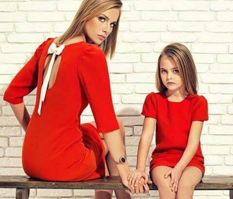 9869ecc725d9bb Mutter Tochter Kleider Hohe Qualität Bogen Mom Baby Halbarm Kleid für  Mädchen Mama und Kleidung Familie Passenden Outfits