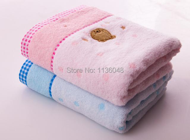 El envío gratuito 100% algodón baño toalla amantes del diseño de la historieta del bebé baño toalla de baño infantil suave 65 x 130 cm 290 g