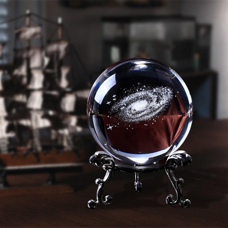 60mm 3D Laser Gravé Galaxy Boule En Verre De Quartz Cristal Décoration de La Maison Accessoires Miniatures Garçon Cadeaux