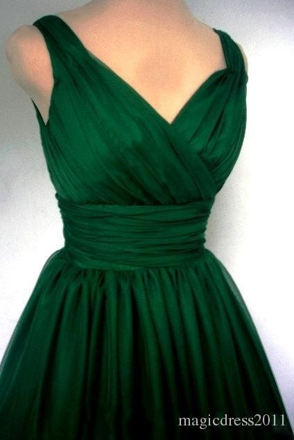 Emerald Green 1950s Cocktail Dress 2016 Vintage Tea Length Plus Size  Chiffon Overlay Elegant Ruched Cocktail party Dress-in Cocktail Dresses  from Weddings ... 87b4a6dd056c