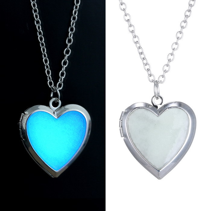 Glow in the Dark Necklace for women Photo Locket vintage Fluorescence heart Necklace Pendant Jewelry floating Charm Gifts