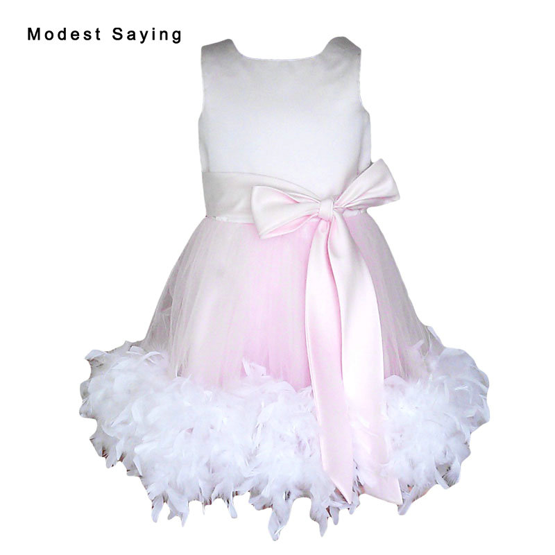 Dejlig Pink Ball Gown Feather Flower Girl Dress 2017 med Bow Tea Længde Kid Prom Gowns til pige sideant vestido de daminha YF12