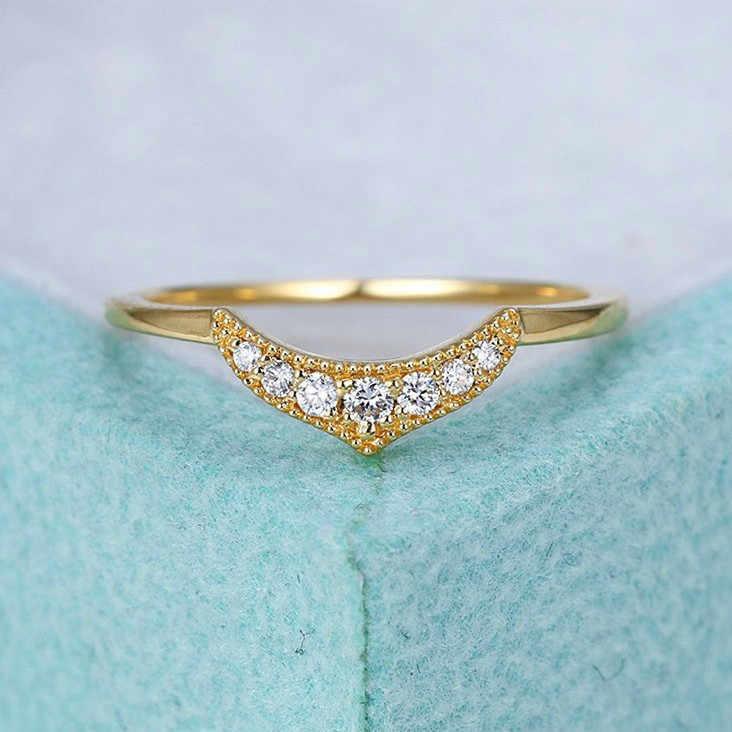 Minimalist หญิงสีขาว Zircon แหวนแฟชั่นสี Yellow Gold งานแต่งงานแหวนสไตล์ที่ไม่ซ้ำกันสัญญาหมั้นแหวน