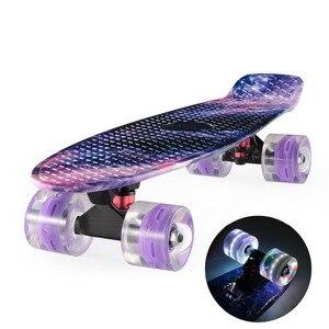 "Image 2 - Grafische Gedrukt Skateboard Galaxy Paars Blauw Plastic Mini Cruiser Board 22 ""X 6"" Retro Longboard Skate Board"