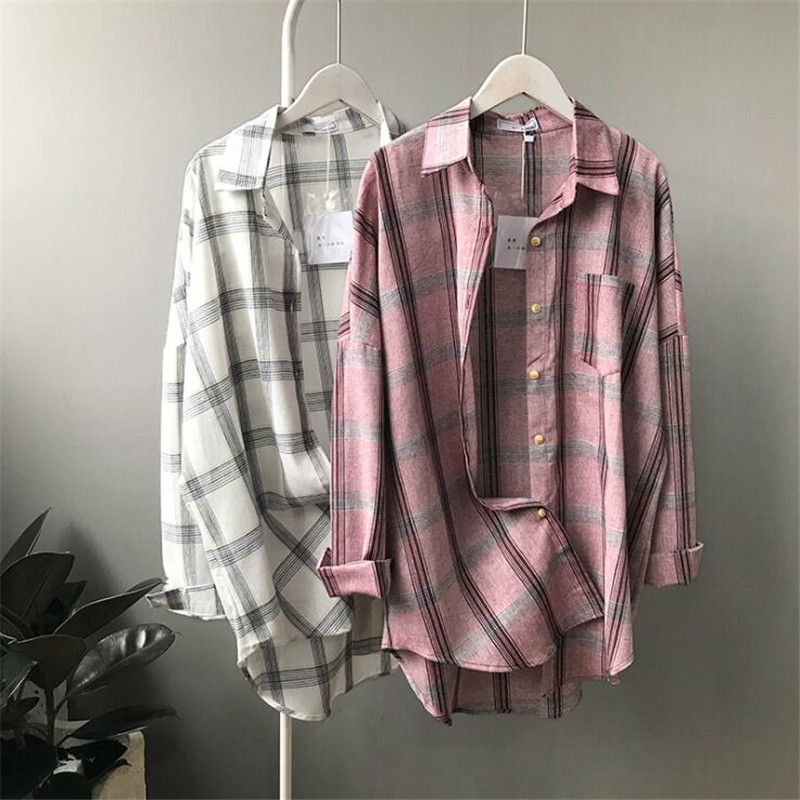 Big Loose women plaid blouses shirts 2018 Women Office Air Conditioner Blouse Shirt Female Outerwear Casual Pocket Shirts