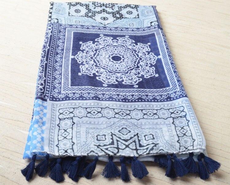 Za 2016, fleur impression écharpe, floral hijab, coton gland foulards,  plaid écharpe, bandana, Musulman hijab, châles et foulards, wrap, silencieux cce120245f2
