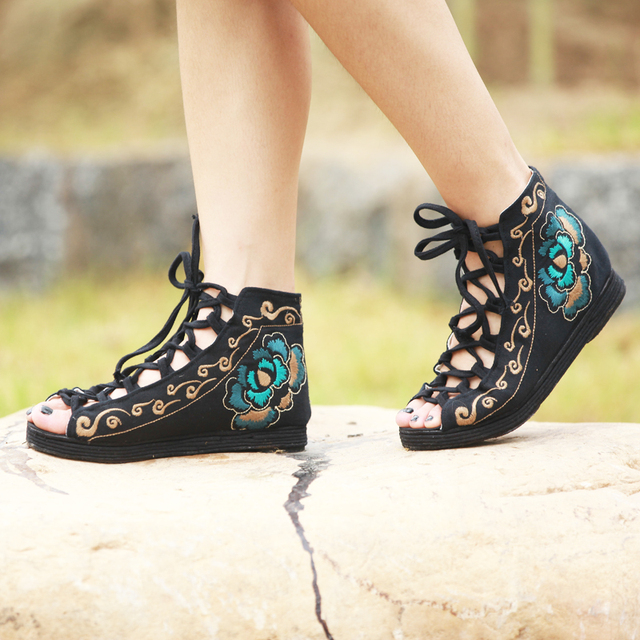 Chinese Traditional Embroidered Cloth Shoes Sexy And