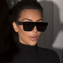 Gafas de sol modernas Vintage de marca de diseñador para mujer, gafas de sol grande y cuadrado, gafas de sol negras planas con remaches para mujer