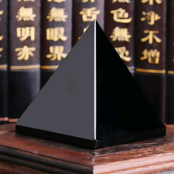 Pyramide guérison en obsidienne naturelle