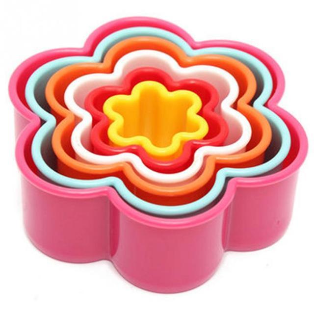 1 set 7 styles Christmas Tree Heart Star Frill Flower Shape Cookie Cutter Cake Baking Mold