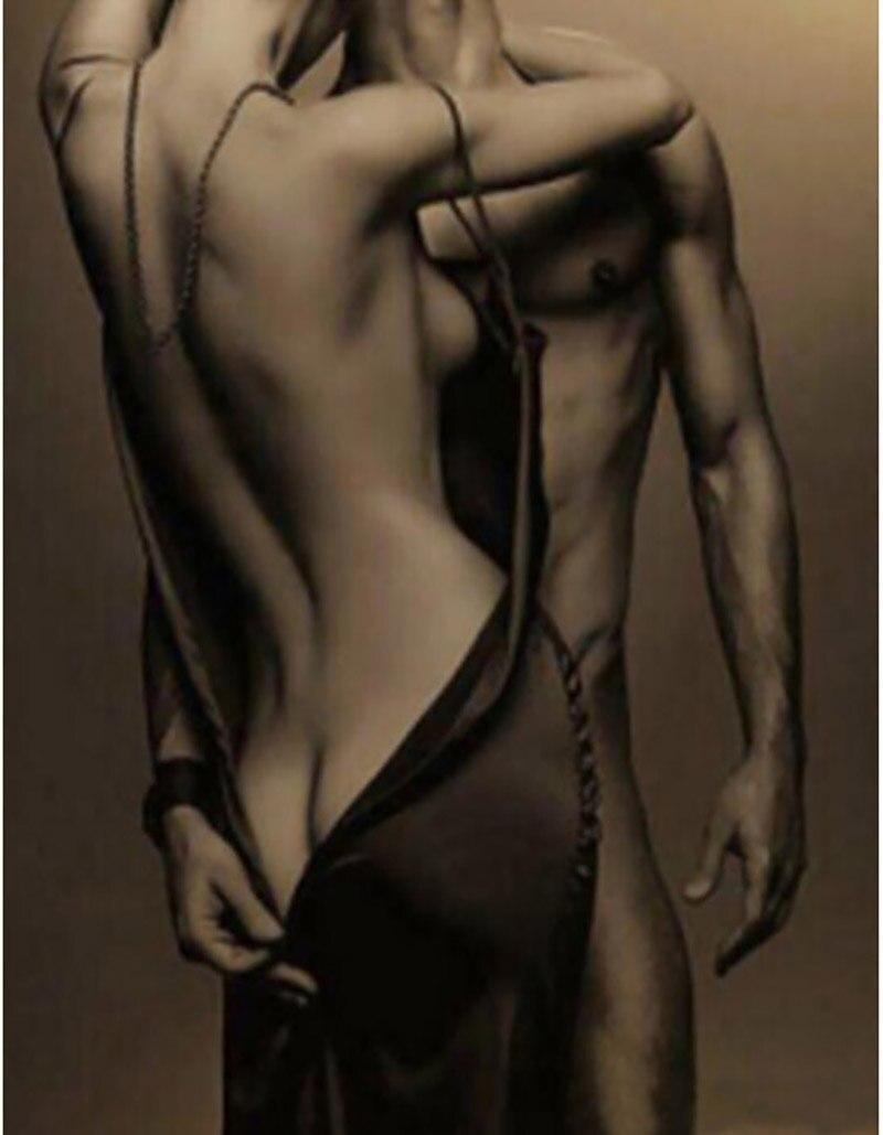 Resultado de imagen para dos cuerpos desnudos abrazados
