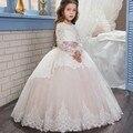 Luz Rosa Colher Lace Manga Comprida Vestidos Da Menina de Flor de Tule Puffy Vestidos De Baile Crianças Pageant Primeira Comunhão Vestidos Para Meninas