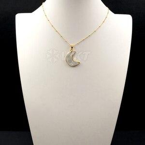 Image 2 - WT N1024 wkt卸売カスタムナチュラルシェル三日月白のペンダントネックレスとゴールドstaliteビーズ18インチムーンネックレス