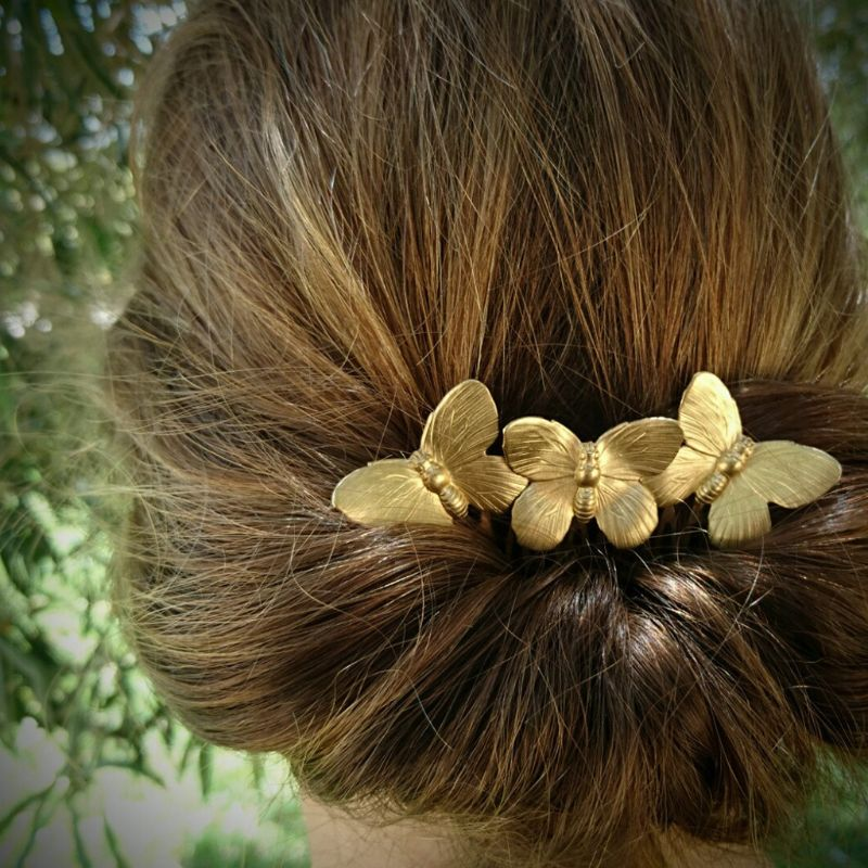 European Style Ladies Vintage Metal Alloy Hair Comb Three Butterflies Frosted Wedding Bridal Party Updo Hairpins Ponytail Holder in Women 39 s Hair Accessories from Apparel Accessories