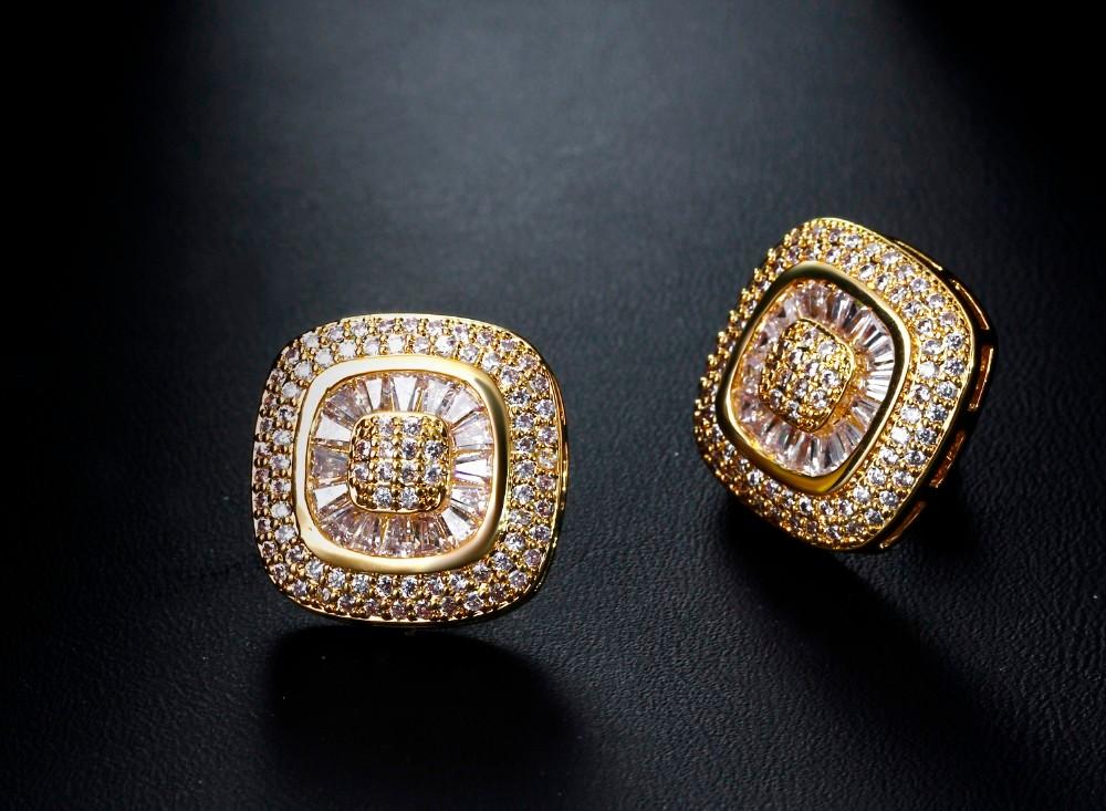 Square stud earrings (3)