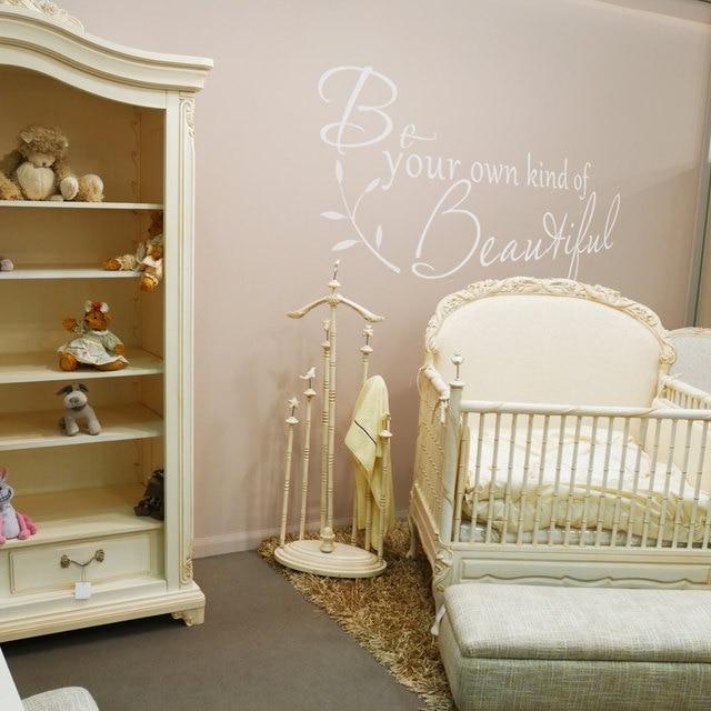 US $6.23 30% di SCONTO|Camera da letto Adesivo Citazioni Be Your Own Kind  Of Bella Parete adesivi Per Bambini Camere Ragazzi Baby Room Home Decor Art  ...