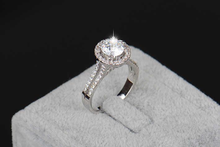 2018 ใหม่แฟชั่นเครื่องประดับจริง 925 เงินสเตอร์ลิงแหวนทองสีคลาสสิกหมั้นงานแต่งงานแหวน AAAAA Cubic zircon สำหรับสุภาพสตรี