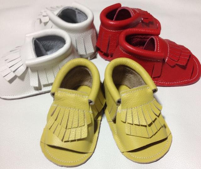 2016 nueva moda de Verano de Las Borlas de los Bebés zapatos de marca Niños Del Bebé Zapatillas de Deporte de Cuero de Vaca Mocasines Bebé niño Zapatos suaves