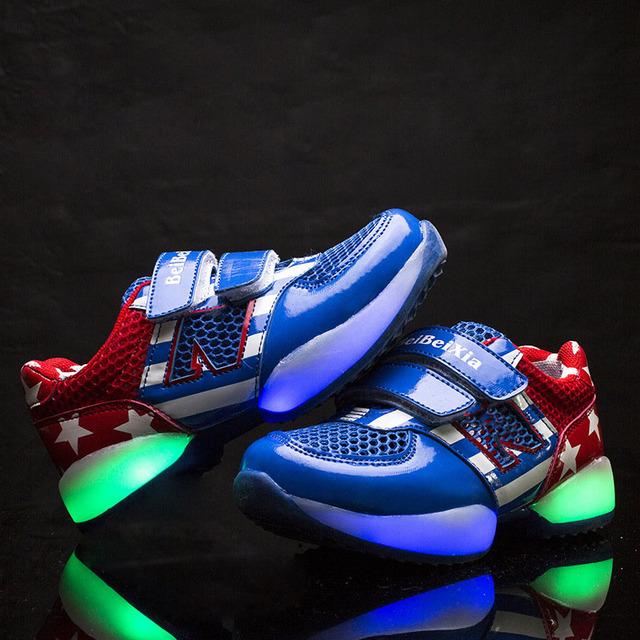 Novo 2017 Moda Européia qualidade LED kinderschuhe utilização longa noite Fria iluminado crianças sneakers causal kinderschuhe