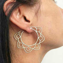 Round Vintage Retro Simple Golden Silver Color Metallic Boho Lace Figures Bohemia Hollow Hoop Earrings For Women Earrings(China)