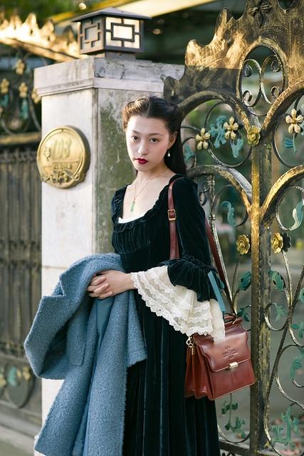 LYNETTE'S CHINOISERIE 2017 Autumn Women sissi princess french vintage lace velvet royal dress