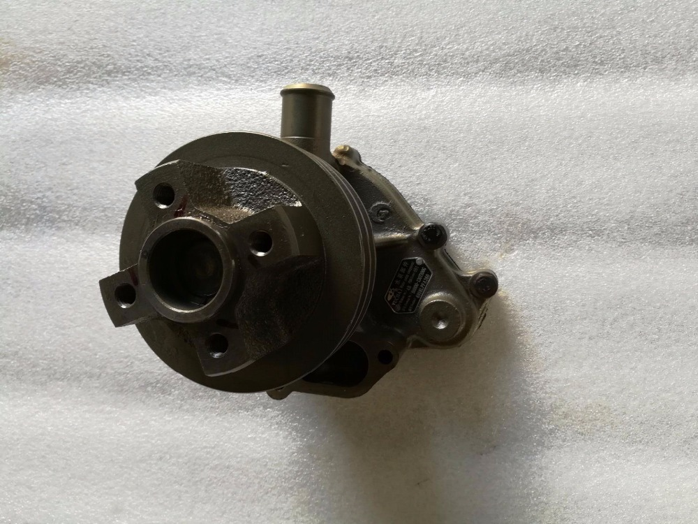 Yuchai engine parts for Lovol machinery, the water pump assembly, part number: B8800-1307100G parts for changchai zn490q engine gasket piston rings cylinder liner main bearings water temp sender water pump pistons