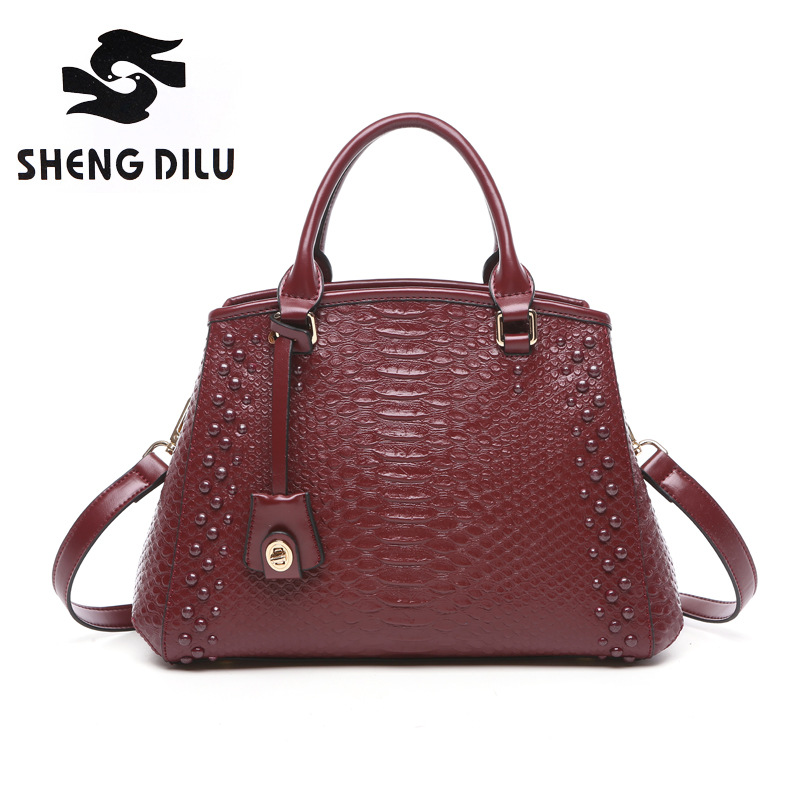 Elegant serpentine pattern handbag shengdilu brand 2018 new women genuine leather tote shoulder Messenger bag free Shipping shengdilu brand genuine leather handbag 2018 new women tote crocodile shoulder messenger bag bolsa feminina free shipping