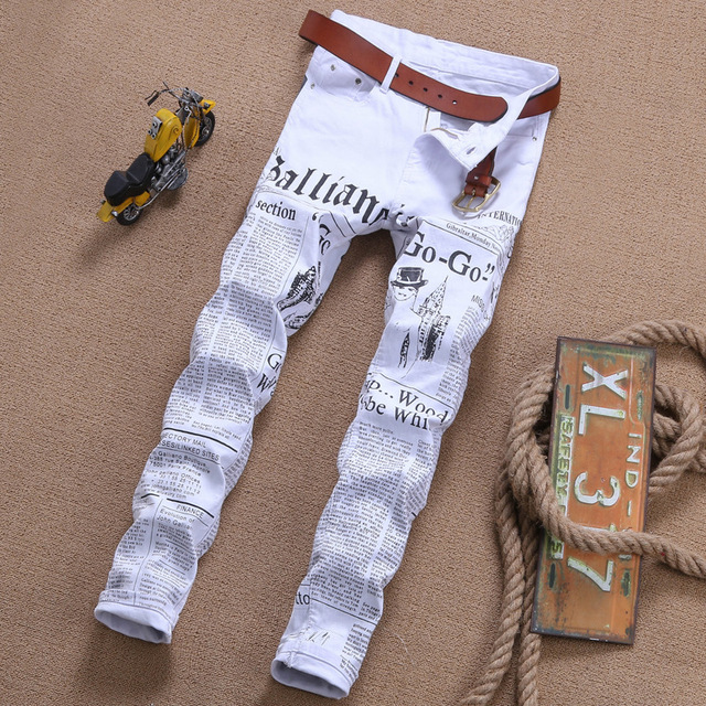 2018 Summer fashion newspaper print white men jeans personality straight punk style slim fit plus size 42 male denim trousers