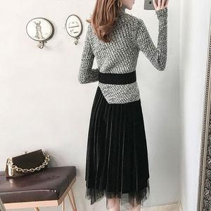 Image 4 - חדש 2019 סתיו חורף אופנה בגדי סטי נשים מוצק סדיר סריגה צמר חולצות סוודר + קטיפה רשת חצאית חליפה