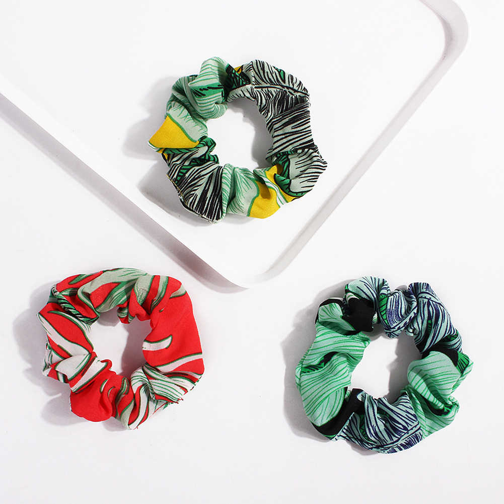 แฟชั่นลายดอกไม้โซ่พิมพ์ Scrunchies ซาตินผมวงยืดหยุ่นผู้หญิงหางม้าผมเชือกอุปกรณ์เสริมผม