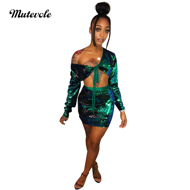 Mutevole Women Sexy Two Piece Sequin Set Clubwear Long Sleeve Crop Top and  Skirt 2 Piece Set V Neck Glitter Paillette Mini Dress b10b108eb37e