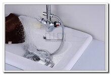 Umyvadlová baterie s kohoutkem a ruční sprchovou hlavicí