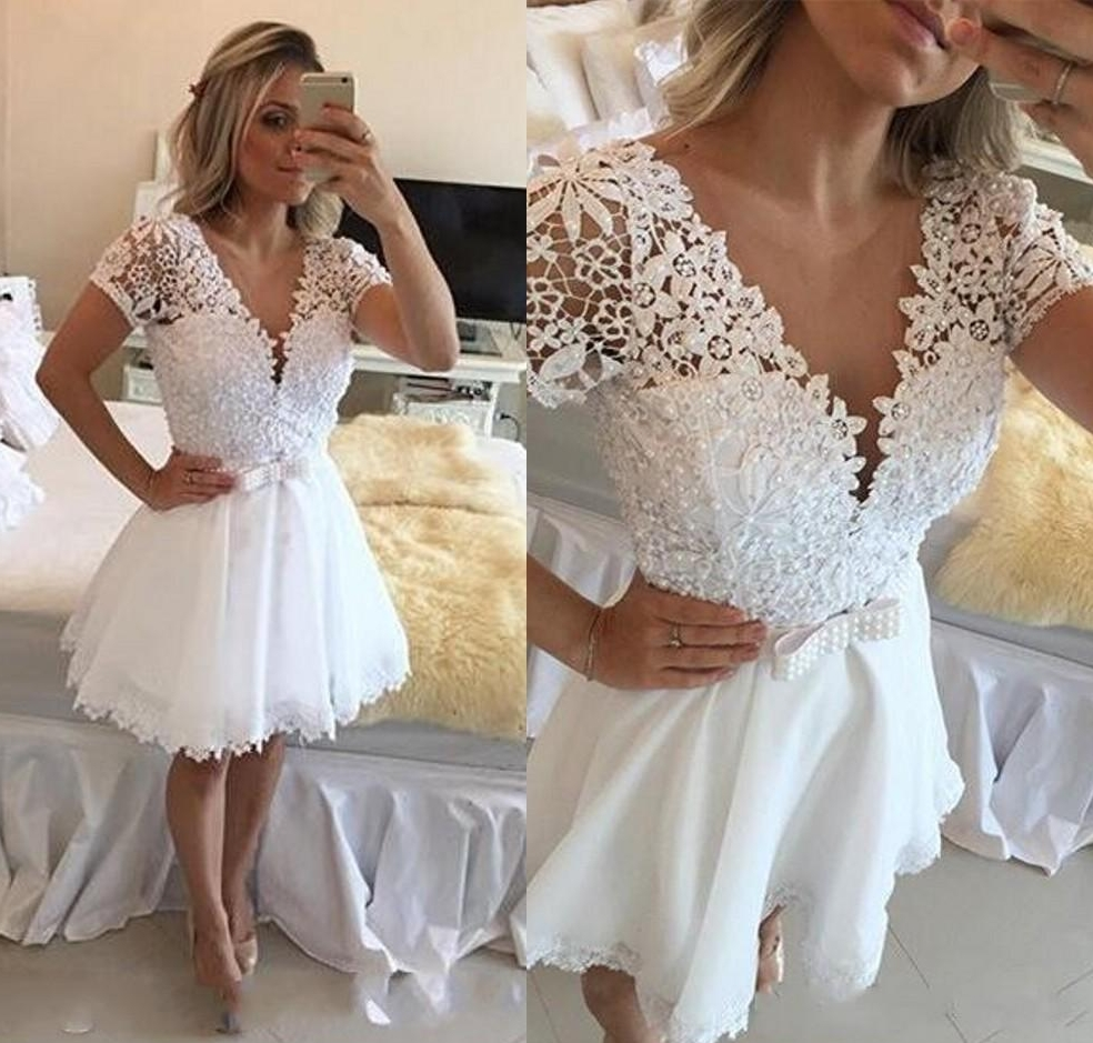 White Elegant Cocktail Dresses A-line V-neck Cap Sleeves Short Mini Lace Pearls Party Plus Size Homecoming Dresses