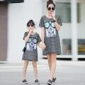 Hot family clothing a juego vestidos mirada de la familia conjunto de la familia de madre e hija de ropa para la madre y la hija de algodón conjunto de bandas